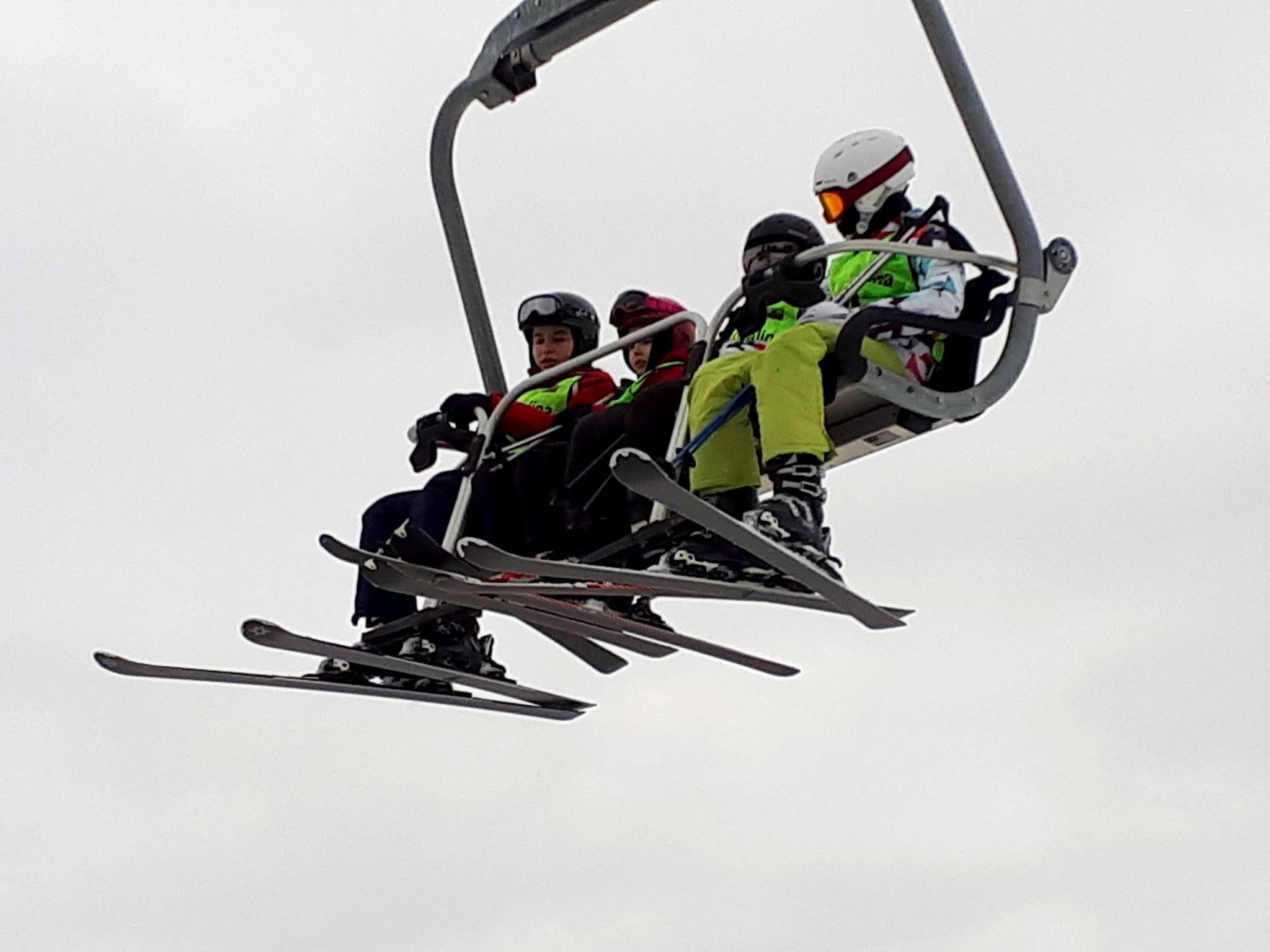 Mali pacjenci na nartach